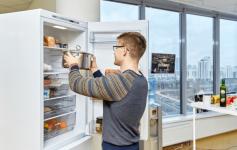 Почему нельзя ставить теплое в холодильник