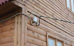 Как подключить бытовку к электричеству от столба