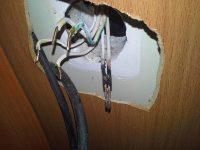 Почему греется проводка в квартире