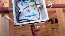 Каким кабелем делать проводку в деревянном доме