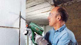 Чем лучше штробить стены под проводку