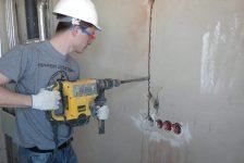 Как быстро проштробить стену под проводку