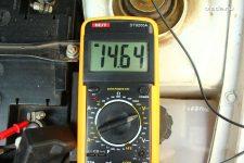 Как замерить напряжение на генераторе мультиметром
